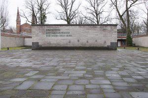 Gedenkwand der Gedenkstätte Plötzsensee